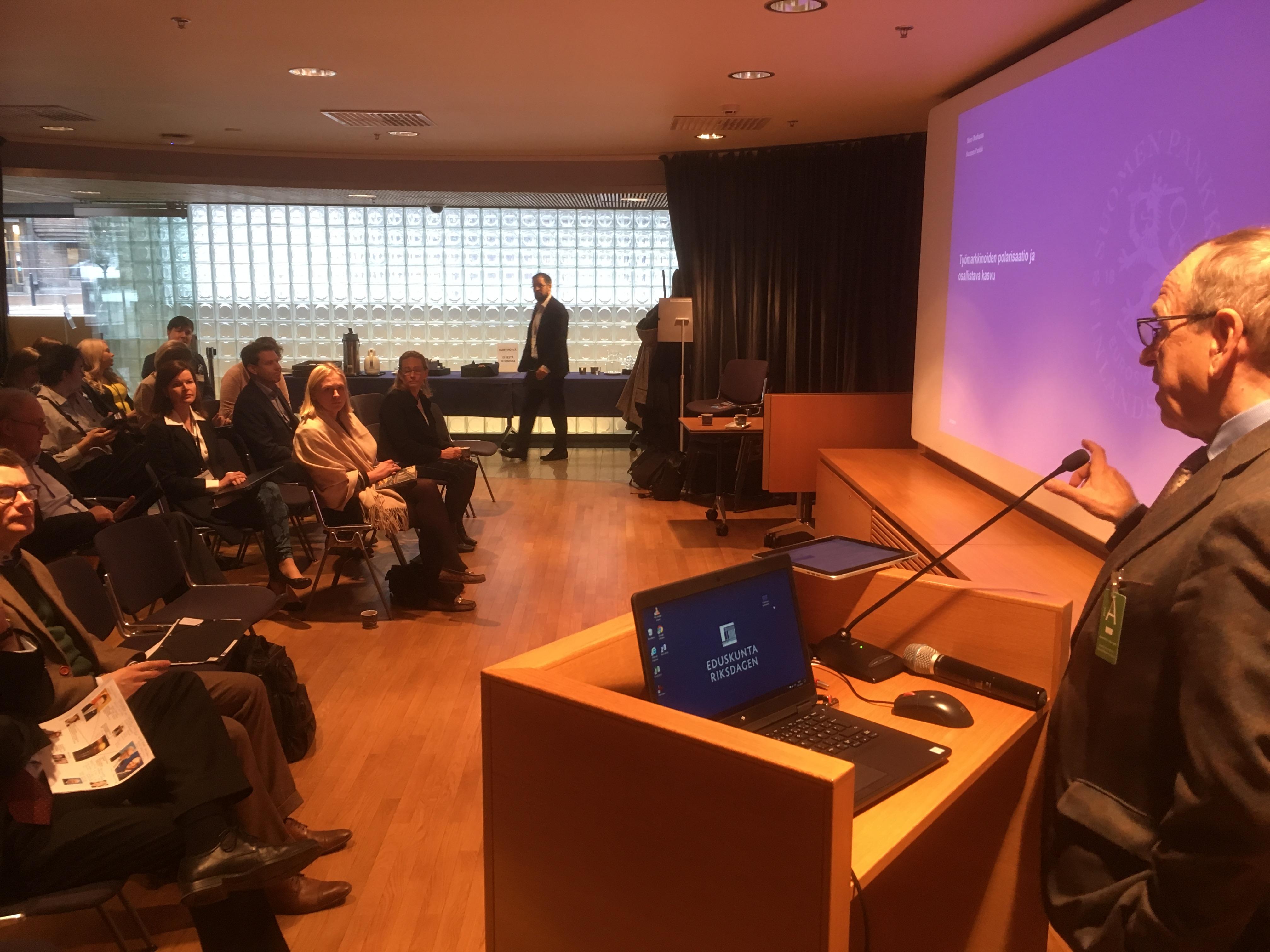 Vuosikokousseminaari käsitteli  globalisaatiokeskustelua